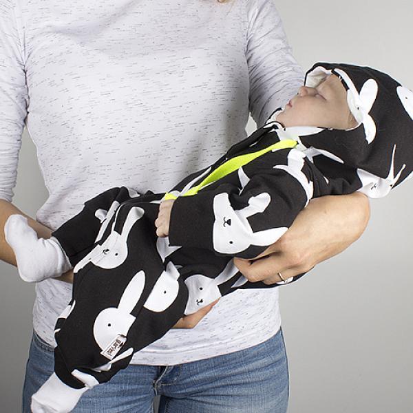 Комбинезон детский Черные зайки GlorYes! р.68Разное<br>&amp;lt;p&amp;gt;Играйте, лежите, ползите, спите, ходите, улыбайтесь&amp;amp;hellip; в этом игривом и одновременно практичном комбинезоне, созданном для самых крошек на любой сезон! Удобная длинная застежка позволит быстро переодеть малыша в случае необходимости, а мягкие манжеты на ручках и ножках и защитная ткань вверху у&amp;amp;nbsp;молнии создадут необходимый комфорт для малыша.&amp;lt;/p&amp;gt;<br><br>&amp;lt;p&amp;gt;Комбинезон подходит для ношения дома, на улицу летом, весной и осенью, зимой в качестве нижнего белья, для комфортного посещения поликлиники, в гости, в кафе и на детские площадки. Идеален для стильных фотосессий!&amp;lt;/p&amp;gt;<br><br>&amp;lt;p&amp;gt;&amp;lt;strong&amp;gt;Как ухаживать?&amp;lt;/strong&amp;gt;&amp;lt;br /&amp;gt;<br>1) ручная стирка при температуре не выше 40&amp;amp;deg;С&amp;lt;br /&amp;gt;<br>2) разрешено гладить&amp;lt;/p&amp;gt;<br><br>&amp;lt;p&amp;gt;&amp;lt;strong&amp;gt;Размер: &amp;lt;/strong&amp;gt;для малыша 3-5&amp;amp;nbsp;мес ростом 65-70 см.&amp;lt;/p&amp;gt;<br><br>&amp;lt;p&amp;gt;&amp;lt;strong&amp;gt;Состав:&amp;lt;/strong&amp;gt;&amp;amp;nbsp;92% хлопок,&amp;amp;nbsp;8% лайкра.&amp;lt;/p&amp;gt;<br>