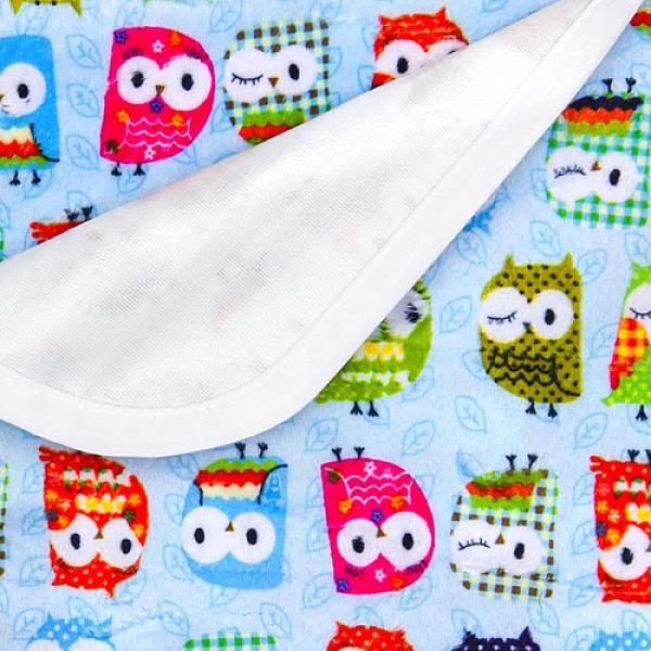 Непромокаемая пеленка GlorYes! Совы на голубом 80х68 смНепромокаемые пеленки<br>&amp;lt;p&amp;gt;Непромокаемая пеленка GlorYes! поможет вам каждый день&amp;lt;strong&amp;gt; во время кормления малыша&amp;lt;/strong&amp;gt; и &amp;lt;strong&amp;gt;переодевания одежды и подгузников&amp;lt;/strong&amp;gt;. Мягкая и дышащая, она будет комфортной для ребенка и защитит от протечек мебель и одежду.&amp;lt;/p&amp;gt;<br> <br> &amp;lt;p&amp;gt;В отличие от старого способа &amp;amp;laquo;клеенка + пеленка&amp;amp;raquo;, непромокаемая пеленка имеет один слой, и ваш малыш не окажется на холодной и мокрой клеенке. Она легкая и необъемная, поэтому ее очень удобно захватить с собой в больницу, на массаж, в автокресло и т.д.&amp;lt;/p&amp;gt;<br> <br> &amp;lt;p&amp;gt;- &amp;lt;strong&amp;gt;ткань:&amp;lt;/strong&amp;gt; непромокаемый и дышащий слой (PUL) с мягкой плюшевой поверхностью&amp;lt;br /&amp;gt;<br> - &amp;lt;strong&amp;gt;не пропускает влагу&amp;lt;/strong&amp;gt;: кровати и диваны надежно защищены&amp;lt;br /&amp;gt;<br> - &amp;lt;strong&amp;gt;дышит&amp;lt;/strong&amp;gt;: кожа ребенка не преет, малыш не потеет&amp;lt;br /&amp;gt;<br> - &amp;lt;strong&amp;gt;легко стирается&amp;lt;/strong&amp;gt; и быстро сохнет&amp;lt;br /&amp;gt;<br> - &amp;lt;strong&amp;gt;выдерживает более 2000 стирок&amp;lt;/strong&amp;gt;,&amp;amp;nbsp;не линяет и не теряет яркости&amp;lt;br /&amp;gt;<br> - &amp;lt;strong&amp;gt;используйте &amp;lt;/strong&amp;gt;для подстраховки при переодевании подгузника, при кормлении, срыгиваниях, в качестве коврика. Постелите в коляску, автокресло, положите на развивающий коврик, в кроватку и на пеленальный столик&amp;lt;br /&amp;gt;<br> - &amp;lt;strong&amp;gt;необъемная&amp;lt;/strong&amp;gt;: удобно брать с собой&amp;lt;br /&amp;gt;<br> - в течение дня ее можно протереть и продолжить использовать снова&amp;lt;br /&amp;gt;<br> - &amp;lt;strong&amp;gt;размер&amp;lt;/strong&amp;gt;: 80х68 см&amp;lt;/p&amp;gt;<br> <br> &amp;lt;p&amp;gt;&amp;lt;strong&amp;gt