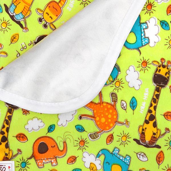 Непромокаемая пеленка GlorYes! Жирафы 80х68 смНепромокаемые пеленки<br>&amp;lt;p&amp;gt;Непромокаемая пеленка GlorYes! поможет вам каждый день&amp;lt;strong&amp;gt; во время кормления малыша&amp;lt;/strong&amp;gt; и &amp;lt;strong&amp;gt;переодевания одежды и подгузников&amp;lt;/strong&amp;gt;. Мягкая и дышащая, она будет комфортной для ребенка и защитит от протечек мебель и одежду.&amp;lt;/p&amp;gt;<br>  <br>  &amp;lt;p&amp;gt;В отличие от старого способа &amp;amp;laquo;клеенка + пеленка&amp;amp;raquo;, непромокаемая пеленка имеет один слой, и ваш малыш не окажется на холодной и мокрой клеенке. Она легкая и необъемная, поэтому ее очень удобно захватить с собой в больницу, на массаж, в автокресло и т.д.&amp;lt;/p&amp;gt;<br>  <br>  &amp;lt;p&amp;gt;- &amp;lt;strong&amp;gt;ткань:&amp;lt;/strong&amp;gt; непромокаемый и дышащий слой (PUL) с мягкой плюшевой поверхностью&amp;lt;br /&amp;gt;<br>  - &amp;lt;strong&amp;gt;не пропускает влагу&amp;lt;/strong&amp;gt;: кровати и диваны надежно защищены&amp;lt;br /&amp;gt;<br>  - &amp;lt;strong&amp;gt;дышит&amp;lt;/strong&amp;gt;: кожа ребенка не преет, малыш не потеет&amp;lt;br /&amp;gt;<br>  - &amp;lt;strong&amp;gt;легко стирается&amp;lt;/strong&amp;gt; и быстро сохнет&amp;lt;br /&amp;gt;<br>  - &amp;lt;strong&amp;gt;выдерживает более 2000 стирок&amp;lt;/strong&amp;gt;,&amp;amp;nbsp;не линяет и не теряет яркости&amp;lt;br /&amp;gt;<br>  - &amp;lt;strong&amp;gt;используйте &amp;lt;/strong&amp;gt;для подстраховки при переодевании подгузника, при кормлении, срыгиваниях, в качестве коврика. Постелите в коляску, автокресло, положите на развивающий коврик, в кроватку и на пеленальный столик&amp;lt;br /&amp;gt;<br>  - &amp;lt;strong&amp;gt;необъемная&amp;lt;/strong&amp;gt;: удобно брать с собой&amp;lt;br /&amp;gt;<br>  - в течение дня ее можно протереть и продолжить использовать снова&amp;lt;br /&amp;gt;<br>  - &amp;lt;strong&amp;gt;размер&amp;lt;/strong&amp;gt;: 80x68&amp;amp;nbsp;см&amp;lt;/p&amp;gt;<br>  <br>  &amp;lt;p&amp;gt;&am