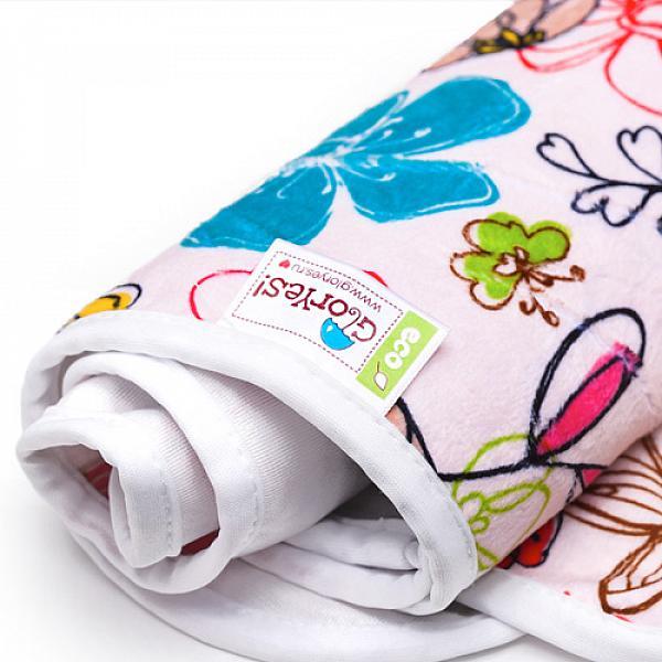 Непромокаемая пеленка GlorYes! Цветы 80х68 смНепромокаемые пеленки<br>&amp;lt;p&amp;gt;Непромокаемая пеленка GlorYes! поможет вам каждый день&amp;lt;strong&amp;gt; во время кормления малыша&amp;lt;/strong&amp;gt; и &amp;lt;strong&amp;gt;переодевания одежды и подгузников&amp;lt;/strong&amp;gt;. Мягкая и дышащая, она будет комфортной для ребенка и защитит от протечек мебель и одежду.&amp;lt;/p&amp;gt;<br> <br> &amp;lt;p&amp;gt;В отличие от старого способа &amp;amp;laquo;клеенка + пеленка&amp;amp;raquo;, непромокаемая пеленка имеет один слой, и ваш малыш не окажется на холодной и мокрой клеенке. Она легкая и необъемная, поэтому ее очень удобно захватить с собой в больницу, на массаж, в автокресло и т.д.&amp;lt;/p&amp;gt;<br> <br> &amp;lt;p&amp;gt;- &amp;lt;strong&amp;gt;ткань:&amp;lt;/strong&amp;gt; непромокаемый и дышащий слой (PUL) с мягкой плюшевой поверхностью&amp;lt;br /&amp;gt;<br> - &amp;lt;strong&amp;gt;не пропускает влагу&amp;lt;/strong&amp;gt;: кровати и диваны надежно защищены&amp;lt;br /&amp;gt;<br> - &amp;lt;strong&amp;gt;дышит&amp;lt;/strong&amp;gt;: кожа ребенка не преет, малыш не потеет&amp;lt;br /&amp;gt;<br> - &amp;lt;strong&amp;gt;легко стирается&amp;lt;/strong&amp;gt; и быстро сохнет&amp;lt;br /&amp;gt;<br> - &amp;lt;strong&amp;gt;выдерживает более 2000 стирок&amp;lt;/strong&amp;gt;,&amp;amp;nbsp;не линяет и не теряет яркости&amp;lt;br /&amp;gt;<br> - &amp;lt;strong&amp;gt;используйте &amp;lt;/strong&amp;gt;для подстраховки при переодевании подгузника, при кормлении, срыгиваниях, в качестве коврика. Постелите в коляску, автокресло, положите на развивающий коврик, в кроватку и на пеленальный столик&amp;lt;br /&amp;gt;<br> - &amp;lt;strong&amp;gt;необъемная&amp;lt;/strong&amp;gt;: удобно брать с собой&amp;lt;br /&amp;gt;<br> - в течение дня ее можно протереть и продолжить использовать снова&amp;lt;br /&amp;gt;<br> - &amp;lt;strong&amp;gt;размер&amp;lt;/strong&amp;gt;: 80х68 см&amp;lt;/p&amp;gt;<br> <br> &amp;lt;p&amp;gt;&amp;lt;strong&amp;gt;Как ухажи