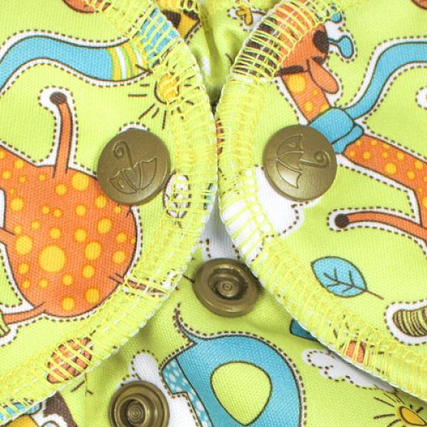 Многоразовый подгузник GlorYes! для плавания Жирафы 3-18 кгМногоразовые подгузники<br>&amp;lt;p&amp;gt;Каждому маленькому пловцу пригодятся надежные, удобные и красивые многоразовые трусики для плавания GlorYes!, которые можно надеть в бассейн или на пляж!&amp;lt;/p&amp;gt;<br> <br> &amp;lt;p&amp;gt;Подгузники для плавания GlorYes! являются отличной альтернативой одноразовым трусикам&amp;amp;nbsp;для плавания&amp;amp;nbsp;и &amp;lt;strong&amp;gt;сэкономят немало средств молодой семье, так как их можно стирать более 2000 раз&amp;lt;/strong&amp;gt; и использовать снова и снова!&amp;lt;/p&amp;gt;<br> <br> &amp;lt;p&amp;gt;&amp;lt;strong&amp;gt;Мягкие резиночки вокруг ног и на талии&amp;lt;/strong&amp;gt; делают подгузник удобным и позволяют надежно выполнять свою главную функцию &amp;amp;ndash; задерживание &amp;amp;ldquo;покаков&amp;amp;rdquo; во время плавания.&amp;lt;/p&amp;gt;<br> <br> &amp;lt;p&amp;gt;Нужно быстро очистить их во время сеанса купания? Легко! Просто прополощите их под краном с жидким мылом и вновь наденьте на малыша.&amp;lt;/p&amp;gt;<br> <br> &amp;lt;p&amp;gt;- удобные и легкие&amp;lt;br /&amp;gt;<br> - не впитывают воду и не разбухают в воде&amp;lt;br /&amp;gt;<br> - надежно задерживают &amp;amp;ldquo;покаки&amp;amp;rdquo; внутри подгузника&amp;lt;br /&amp;gt;<br> - имеют универсальный регулируемый размер (0-4 года)&amp;lt;br /&amp;gt;<br> - внутри - легкая сетка, пропускающая воду; снаружи - дышащий тонкий слой&amp;lt;br /&amp;gt;<br> - легко стираются и очень быстро сохнут&amp;lt;br /&amp;gt;<br> - большая экономия&amp;lt;br /&amp;gt;<br> - стильные дизайнерские расцветки&amp;lt;br /&amp;gt;<br> - можно надевать как трусики, не расстегивая кнопки&amp;lt;/p&amp;gt;<br> <br> &amp;lt;p&amp;gt;&amp;lt;strong&amp;gt;Как ухаживать? &amp;lt;/strong&amp;gt;&amp;lt;/p&amp;gt;<br> <br> &amp;lt;p&amp;gt;1) можно стирать в машине или руками при температуре не выше 40&amp;amp;ordm; С&amp;lt;br /&amp;gt;<br> 2) допускается щадящая сушка в машине&amp;lt;br /&a