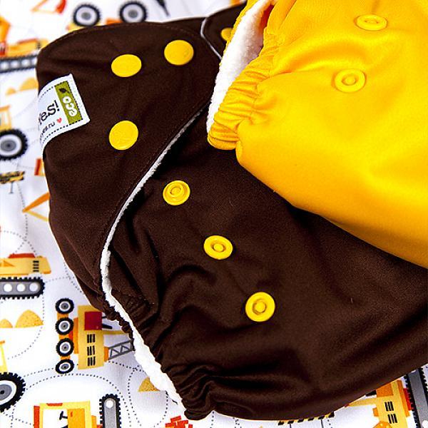 Многоразовый подгузник GlorYes! CLASSIC Банан 3-15 кг + один вкладышМногоразовые подгузники<br>&amp;lt;p&amp;gt;&amp;lt;strong&amp;gt;Кто выбирает:&amp;amp;nbsp;&amp;lt;/strong&amp;gt;родители, которые хотят сэкономить или кому нужны подгузники для дневного пользования&amp;lt;/p&amp;gt;<br><br>&amp;lt;p&amp;gt;Многоразовый классический подгузник Classic &amp;amp;ndash; &amp;lt;strong&amp;gt;экономный вариант многоразового подгузника GlorYes!&amp;lt;/strong&amp;gt; Яркие однотонные расцветки, надежная защита от протеканий и очень привлекательная цена &amp;amp;ndash; все это делает подгузник Classic хорошим выбором среди тех, кто желает получить экономию и все базовые свойства многоразового подгузника.&amp;lt;/p&amp;gt;<br><br>&amp;lt;p&amp;gt;&amp;lt;strong&amp;gt;Надёжная защита от протекания:&amp;lt;/strong&amp;gt; дышащий водонепроницаемый верхний слой&amp;lt;br /&amp;gt;<br>&amp;lt;strong&amp;gt;Сухость для малыша:&amp;lt;/strong&amp;gt; сухой и мягкий внутренний слой&amp;lt;br /&amp;gt;<br>&amp;lt;strong&amp;gt;Вкладыш: &amp;lt;/strong&amp;gt;один вкладыш в комплекте&amp;lt;br /&amp;gt;<br>&amp;lt;strong&amp;gt;Экономия:&amp;lt;/strong&amp;gt; идеальное соотношение свойств и цены&amp;lt;br /&amp;gt;<br>&amp;lt;strong&amp;gt;Когда использовать:&amp;lt;/strong&amp;gt; днём, на дневной сон, для плавания (без использования вкладыша)&amp;lt;br /&amp;gt;<br>&amp;lt;strong&amp;gt;Кому: &amp;lt;/strong&amp;gt;для малышей от 3 до 15 кг, с рождения до 3 лет&amp;lt;br /&amp;gt;<br>&amp;lt;strong&amp;gt;Время использования:&amp;lt;/strong&amp;gt; 1,5-2 часа&amp;lt;/p&amp;gt;<br><br>&amp;lt;p&amp;gt;Хотите использовать подгузник для ночного сна? Докупите &amp;lt;a href=/diaperss/insertsfordiapers target=_blank&amp;gt;дополнительные вкладыши&amp;lt;/a&amp;gt; из конопли или угольного бамбука.&amp;lt;br /&amp;gt;<br>Чем этот подгузник отличается от других типов? Прочитайте сравнение &amp;lt;a href=/diaperss target=_blank&amp;gt;здесь&amp;lt;/a&amp;gt;.&amp;lt;/p&amp;gt;<br><br