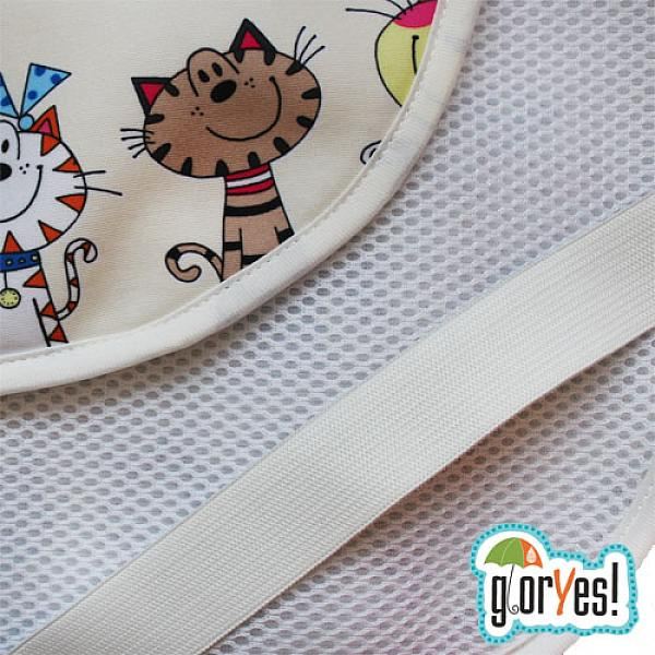 Наматрасник GlorYes! Коты на бежевом 120х60 смНаматрасники<br>&amp;lt;p&amp;gt;Если ваш малыш спит в кроватке стандартного размера 120x60 (за счет эластичных резинок подойдет и для размера 125x65 см), то лучший способ защитить кровать от влаги &amp;amp;ndash; это непромокаемый дышащий наматрасник GlorYes!&amp;lt;/p&amp;gt;<br><br>&amp;lt;p&amp;gt;Вы заметите, что он &amp;lt;strong&amp;gt;не смещается с матраца&amp;lt;/strong&amp;gt;, позволяет коже малыша &amp;lt;strong&amp;gt;дышать&amp;lt;/strong&amp;gt;, приятный и теплый для кожи и &amp;lt;strong&amp;gt;не создает острых углов&amp;lt;/strong&amp;gt;, как обычные клеенки.&amp;lt;/p&amp;gt;<br><br>&amp;lt;p&amp;gt;&amp;lt;strong&amp;gt;верхний мягкий и дышащий водонепроницаемый слой &amp;lt;/strong&amp;gt;(полиэстер) с красивыми расцветками&amp;lt;br /&amp;gt;<br>&amp;lt;strong&amp;gt;нижний 3D слой против скольжения&amp;lt;/strong&amp;gt; по матрацу&amp;lt;br /&amp;gt;<br>&amp;lt;strong&amp;gt;хорошая вентиляция воздуха&amp;lt;/strong&amp;gt;:&amp;amp;nbsp;кожа малыша не преет&amp;lt;br /&amp;gt;<br>&amp;lt;strong&amp;gt;не сминается&amp;lt;/strong&amp;gt; и не смещается:&amp;amp;nbsp;закрепляется за все 4 стороны матраца эластичными резинками&amp;lt;br /&amp;gt;<br>&amp;lt;strong&amp;gt;не шуршит&amp;lt;/strong&amp;gt; за счет мягкого верхнего слоя&amp;lt;br /&amp;gt;<br>приятный для тела и &amp;lt;strong&amp;gt;нехолодный&amp;lt;/strong&amp;gt;: на него можно положить малыша без одежды во время игры&amp;lt;br /&amp;gt;<br>&amp;lt;strong&amp;gt;очень хорошо отстирывается&amp;lt;/strong&amp;gt; и быстро сохнет&amp;lt;br /&amp;gt;<br>выдерживает более 2000 стирок&amp;amp;nbsp;&amp;lt;br /&amp;gt;<br>&amp;lt;strong&amp;gt;размер&amp;lt;/strong&amp;gt;: 120x60 см (подходит для стандартных кроваток 120х60 и 125х65 см)&amp;lt;/p&amp;gt;<br><br>&amp;lt;p&amp;gt;&amp;lt;strong&amp;gt;Как ухаживать:&amp;lt;/strong&amp;gt;&amp;lt;/p&amp;gt;<br><br>&amp;lt;p&amp;gt;1) максимальная температура стирки: 40&amp;amp;deg;С&amp;l