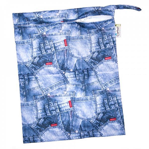 Непромокаемая сумка GlorYes! ДжинсСумочки<br>&amp;lt;p&amp;gt;Непромокаемая сумочка для многоразовых подгузников, пеленок и трусиков от GlorYes!&amp;lt;/p&amp;gt;<br><br>&amp;lt;p&amp;gt;Идете в гости или на прогулку? Захватите &amp;lt;strong&amp;gt;легкую &amp;lt;/strong&amp;gt;и &amp;lt;strong&amp;gt;красивую &amp;lt;/strong&amp;gt;сумочку GlorYes! с собой. Положите в нее использованные подгузники, &amp;lt;strong&amp;gt;не опасаясь, что они протекут или будут пахнуть&amp;lt;/strong&amp;gt;.&amp;lt;/p&amp;gt;<br><br>&amp;lt;p&amp;gt;ткань:&amp;amp;nbsp;тонкий непромокаемый трикотаж&amp;lt;br /&amp;gt;<br>замочек, удобная ручка&amp;lt;br /&amp;gt;<br>размер: 30х40 см, вмещает&amp;lt;strong&amp;gt; до семи подгузников со вкладышами&amp;lt;/strong&amp;gt;&amp;lt;br /&amp;gt;<br>стильный аксессуар для современной мамы&amp;lt;/p&amp;gt;<br><br>&amp;lt;p&amp;gt;&amp;lt;strong&amp;gt;Как ухаживать&amp;lt;/strong&amp;gt;:&amp;lt;/p&amp;gt;<br><br>&amp;lt;p&amp;gt;1) стирать любыми средствами при температуре не выше 40&amp;amp;deg;С&amp;lt;br /&amp;gt;<br>2) не сушить на батарее или полотенцесушителе&amp;lt;br /&amp;gt;<br>3) не гладить&amp;lt;/p&amp;gt;<br><br>&amp;lt;p&amp;gt;&amp;lt;strong&amp;gt;Состав&amp;lt;/strong&amp;gt;: 100% полиэстер&amp;lt;/p&amp;gt;<br>