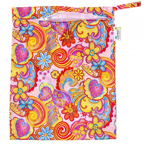 Непромокаемая сумка GlorYes! ЛетоСумочки<br>&amp;lt;p&amp;gt;Непромокаемая сумочка для многоразовых подгузников, пеленок и трусиков от GlorYes!&amp;lt;/p&amp;gt;<br><br>&amp;lt;p&amp;gt;Идете в гости или на прогулку? Захватите &amp;lt;strong&amp;gt;легкую &amp;lt;/strong&amp;gt;и &amp;lt;strong&amp;gt;красивую &amp;lt;/strong&amp;gt;сумочку GlorYes! с собой. Положите в нее использованные подгузники, &amp;lt;strong&amp;gt;не опасаясь, что они протекут или будут пахнуть&amp;lt;/strong&amp;gt;.&amp;lt;/p&amp;gt;<br><br>&amp;lt;p&amp;gt;ткань:&amp;amp;nbsp;тонкий непромокаемый трикотаж&amp;lt;br /&amp;gt;<br>замочек, удобная ручка&amp;lt;br /&amp;gt;<br>размер: 30х40 см, вмещает&amp;lt;strong&amp;gt; до семи подгузников со вкладышами&amp;lt;/strong&amp;gt;&amp;lt;br /&amp;gt;<br>стильный аксессуар для современной мамы&amp;lt;/p&amp;gt;<br><br>&amp;lt;p&amp;gt;&amp;lt;strong&amp;gt;Как ухаживать&amp;lt;/strong&amp;gt;:&amp;lt;/p&amp;gt;<br><br>&amp;lt;p&amp;gt;1) стирать любыми средствами при температуре не выше 40&amp;amp;deg;С&amp;lt;br /&amp;gt;<br>2) не сушить на батарее или полотенцесушителе&amp;lt;br /&amp;gt;<br>3) не гладить&amp;lt;/p&amp;gt;<br><br>&amp;lt;p&amp;gt;&amp;lt;strong&amp;gt;Состав&amp;lt;/strong&amp;gt;: 100% полиэстер&amp;lt;/p&amp;gt;<br>