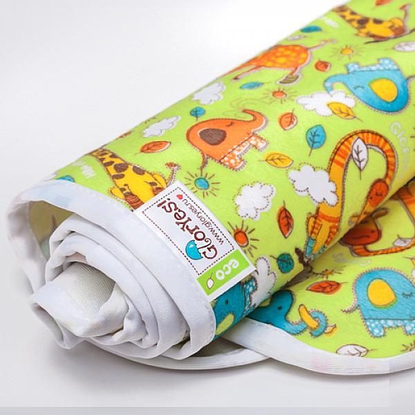 Непромокаемая пеленка GlorYes! Жирафы 80х68 см от GlorYes!